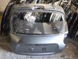 Крышка багажника ниссан жук nissan juke за 90 000 тг. в Караганда