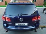 Volkswagen Touareg 2005 года за 4 700 000 тг. в Алматы – фото 5