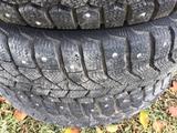 Комплект шин с дисками почти новые зимние шипованные на 14 ваз за 90 000 тг. в Усть-Каменогорск – фото 3