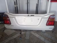 Крышка багажника Ленд Крузер 100# задняя крышка багажника LC 100 за 60 000 тг. в Алматы
