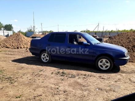 Volkswagen Vento 1992 года за 750 000 тг. в Уральск – фото 2
