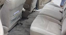 Toyota Ipsum 2003 года за 3 000 000 тг. в Шымкент – фото 2