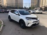 Toyota RAV 4 2018 года за 13 350 000 тг. в Нур-Султан (Астана) – фото 2