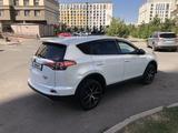 Toyota RAV 4 2018 года за 13 350 000 тг. в Нур-Султан (Астана) – фото 4
