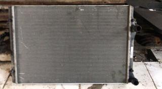 Радиатор интеркулер на Volkswagen Passat за 25 000 тг. в Алматы