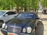 Mercedes-Benz E 220 1995 года за 2 200 000 тг. в Павлодар – фото 2