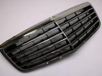 Решётка радиатора E Class w211 за 36 900 тг. в Алматы