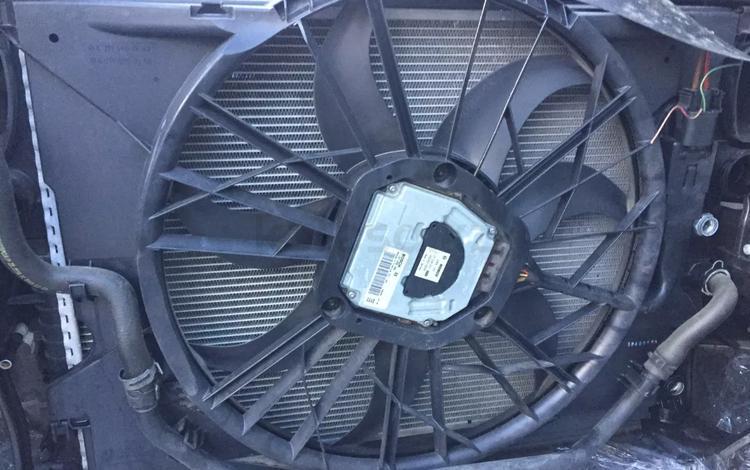 Основной вентилятор на Мерседес w211 за 7 000 тг. в Алматы