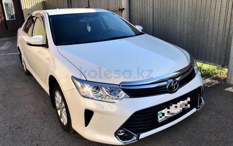 Toyota Camry 2018 года за 10 600 000 тг. в Караганда