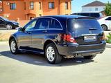 Mercedes-Benz R 500 2010 года за 6 800 000 тг. в Атырау – фото 2