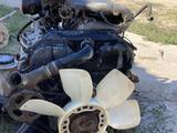 Двигатель, КПП, раздатка, рессоры за 700 000 тг. в Кызылорда – фото 2