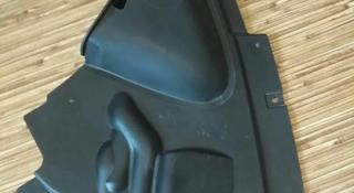 Пылезащитный щиток правый BMW 3 за 12 500 тг. в Алматы
