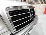 Mercedes-Benz E 320 1995 года за 2 900 000 тг. в Владивосток – фото 5