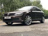 Volkswagen Jetta 2017 года за 8 000 000 тг. в Алматы – фото 2