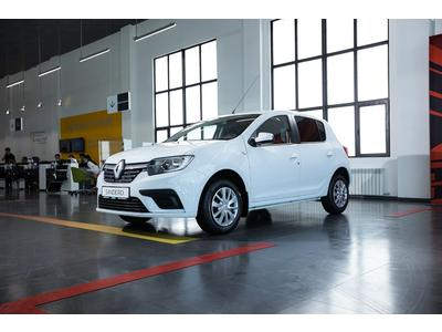 Renault Sandero Life AT 2021 года за 7 168 000 тг. в Семей