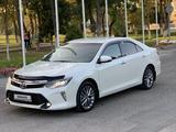 Toyota Camry 2018 года за 11 800 000 тг. в Шымкент – фото 5