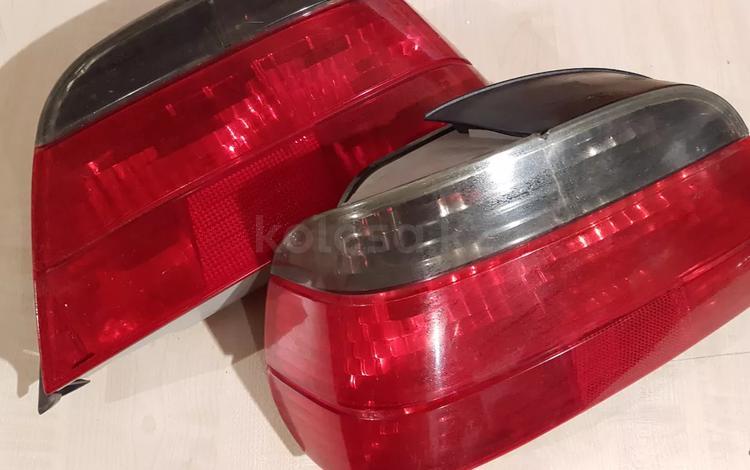 Задние фонари на бмв 728 за 20 000 тг. в Нур-Султан (Астана)