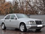 Mercedes-Benz E 200 1992 года за 2 000 000 тг. в Шымкент