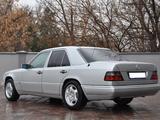Mercedes-Benz E 200 1992 года за 2 000 000 тг. в Шымкент – фото 3