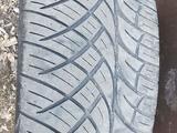 Диски с резиной 305/40 R22 за 300 000 тг. в Караганда – фото 2