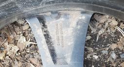 Диски с резиной 305/40 R22 за 300 000 тг. в Караганда – фото 4