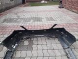 Комплект переднего и заднего бамперов с накладками на пороги W222 за 1 000 тг. в Алматы – фото 5