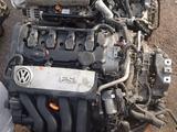 Двигатель на фольксваген 2.0 FSI за 300 000 тг. в Алматы