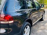 Volkswagen Touareg 2007 года за 6 000 000 тг. в Шымкент – фото 3