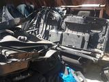 Б/у Серый велюровый салон с Тойота Прадо 120кузов. Пластик, детали… за 250 000 тг. в Актобе – фото 2