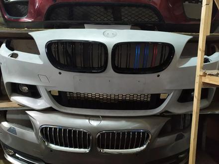 Бампер передний на BMW f10 M рестайлинг в сборе за 350 000 тг. в Алматы