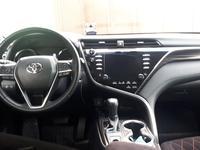 Toyota Camry 2019 года за 13 700 000 тг. в Шымкент