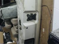 Крышка багажника лэнд крузер сотка за 100 000 тг. в Актау