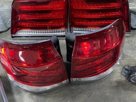 Задние Фонари Lexus LX570 за 370 000 тг. в Алматы – фото 2