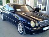 Mercedes-Benz E 320 1997 года за 2 600 000 тг. в Кордай – фото 2