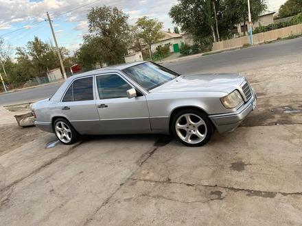 Mercedes-Benz E 280 1995 года за 2 600 000 тг. в Шымкент