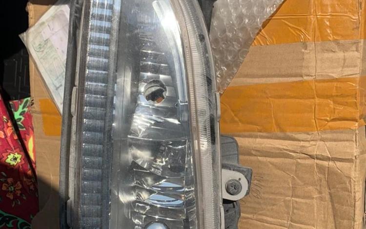 Противотуманная фара Hyundai Santa Fe за 30 000 тг. в Актобе