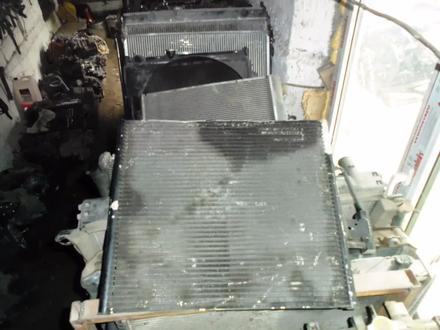 Радиатор Toyota Hilux Surf за 777 тг. в Алматы – фото 4