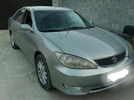 Toyota Camry 2005 года за 3 870 000 тг. в Шымкент – фото 2