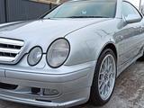 Mercedes-Benz E 320 1998 года за 3 200 000 тг. в Атырау – фото 3