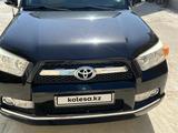 Toyota 4Runner 2011 года за 11 600 000 тг. в Актау – фото 2