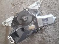 Привод моторчик люка лх470 за 888 тг. в Алматы