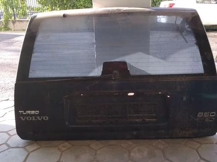 Дверь багажника за 45 000 тг. в Алматы – фото 2