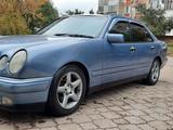 Mercedes-Benz E 320 1997 года за 3 300 000 тг. в Павлодар – фото 2