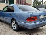 Mercedes-Benz E 320 1997 года за 3 300 000 тг. в Павлодар – фото 3