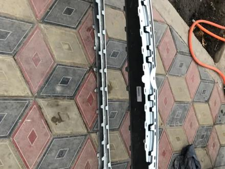 Бампер передний за 40 000 тг. в Алматы – фото 5