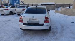 Volkswagen Passat 2002 года за 2 350 000 тг. в Нур-Султан (Астана) – фото 4