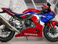 Honda  Honda CBR 1000 RR-R Fireblade 2020 года за 10 900 000 тг. в Новосибирск