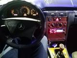 Mercedes-Benz E 230 1995 года за 2 250 000 тг. в Талдыкорган – фото 2