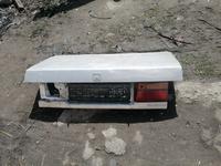 Крышка богажника хонда аккорд за 15 000 тг. в Алматы