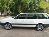 Volkswagen Passat 1992 года за 1 400 000 тг. в Алматы – фото 4